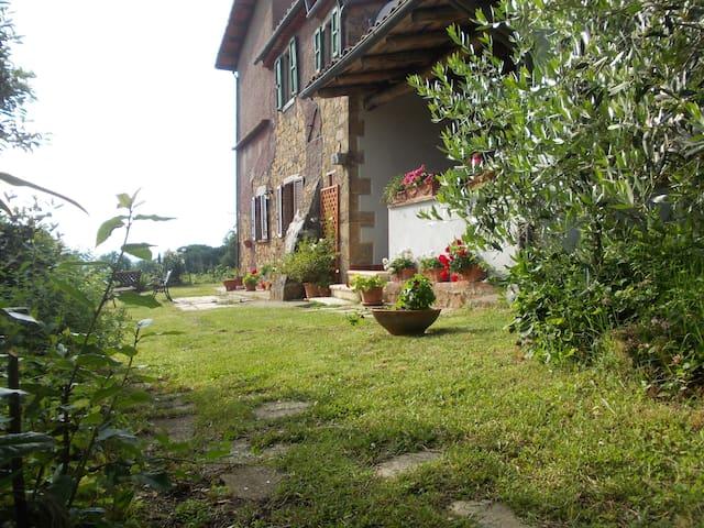 Emilio's La Busattina farm - San Martino sul Fiora - Ház