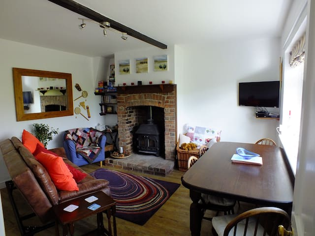 2 bedroom cottage in great location - Weston Bampfylde - Haus