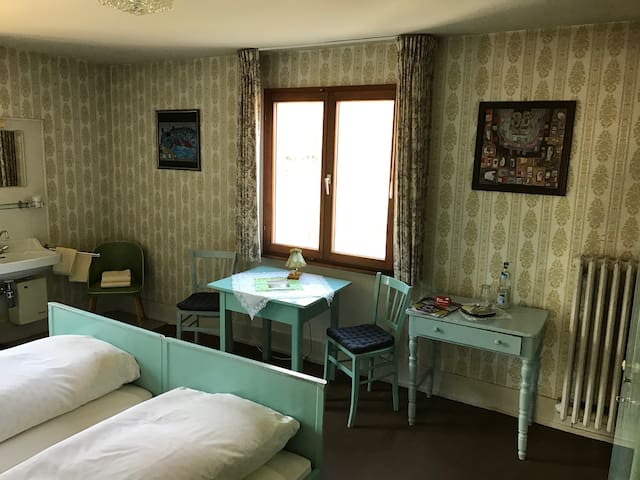 Retro Style - in Titisee close to the lake - Titisee-Neustadt - Hus