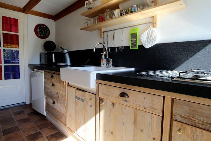 Knus vakantiehuisje in een Schapenboet op Texel - Den Burg - Blockhütte