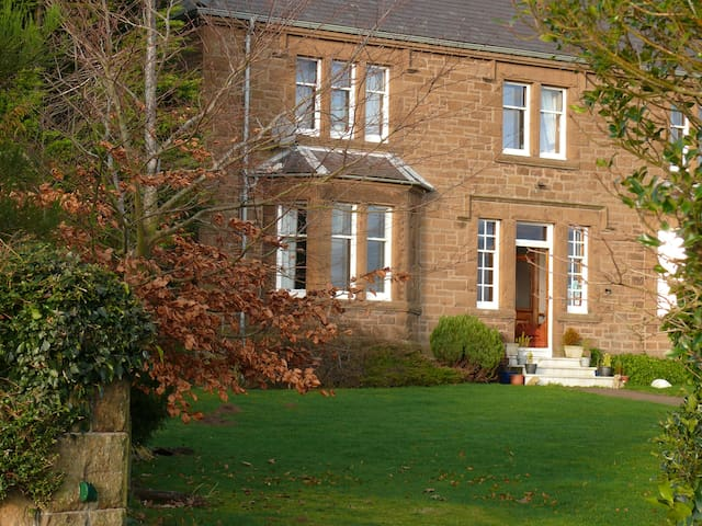Hay Farm House, tranquil spacious Twin en-suite - Northumberland - Bed & Breakfast