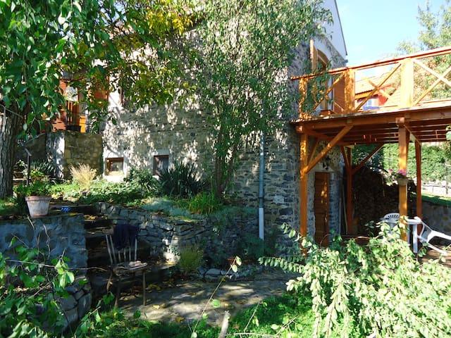 Charming cottage at Lake Balaton - Badacsonytomaj - Huis