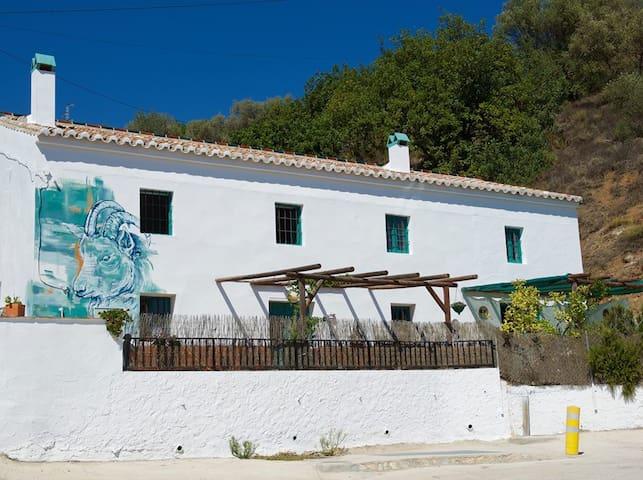 A very hoppy stay: Brewery, Brocante & B&B! - Málaga - Apartmen