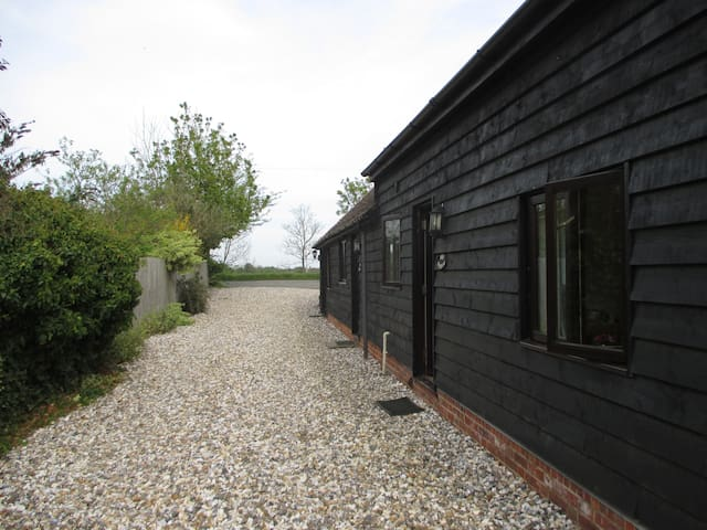 Self contained cottage for families or couples - Sutton Courtenay - Huis