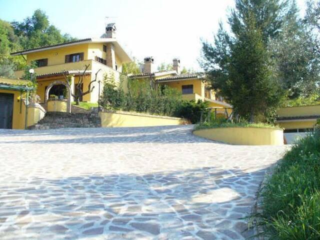 Villa in campagna a due passi dal mare - Vasto - Villa