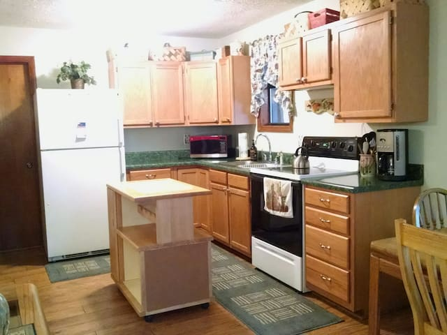 Creekside apartment near Highlands & Sky Valley - Scaly Mountain - Appartement