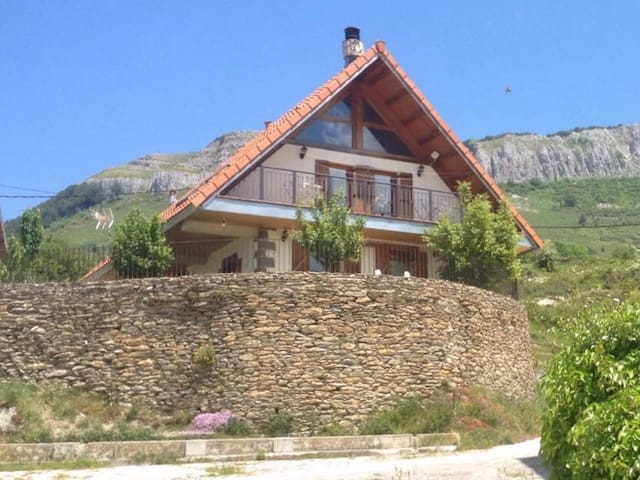 Selva de Irati. Casa Mendurrua - Villanueva de Aezkoa - Almhütte
