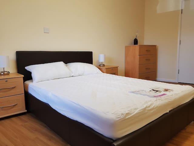 Newsome -modern fully ensuite room 37 Huddersfield - Huddersfield - Lägenhet