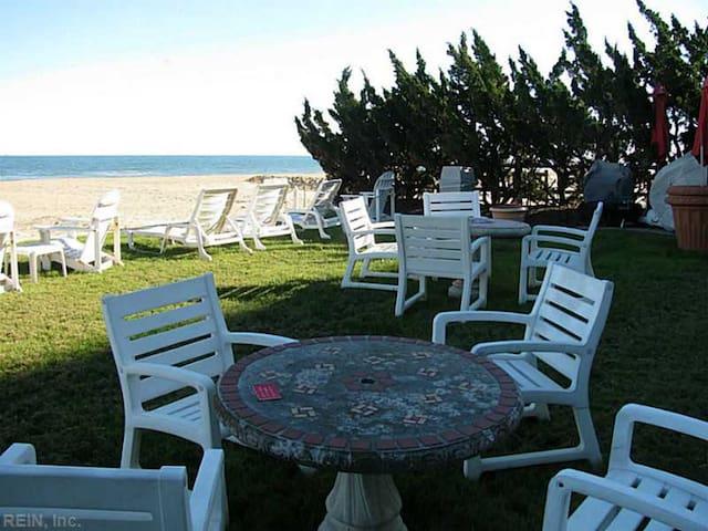 Virginia Beach Oceanfront and Boardwalk Studio Apt - Virginia Beach - Departamento