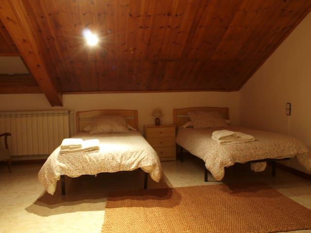 Habitació Doble amb bany compartit - Vilaller - Daire