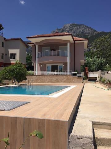 Muhteşem kiralık villalar - Kemer - Vila