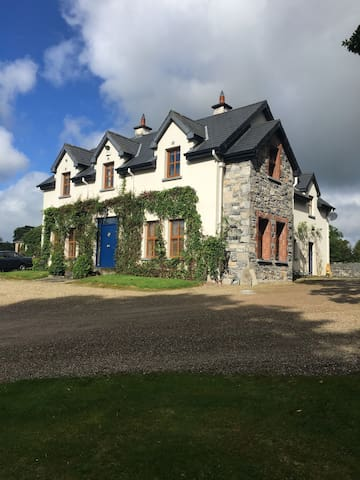 Charming, spacious residence full of character - Ballyhannon South