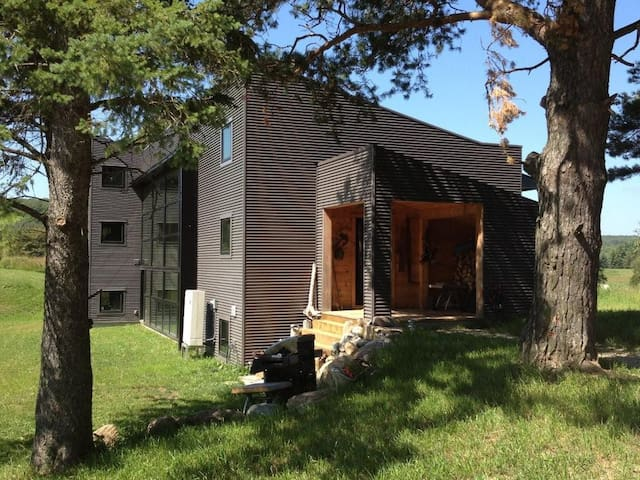 """Fully Equipped House Rental """"The Woolner Place"""" - Duntroon - Casa"""