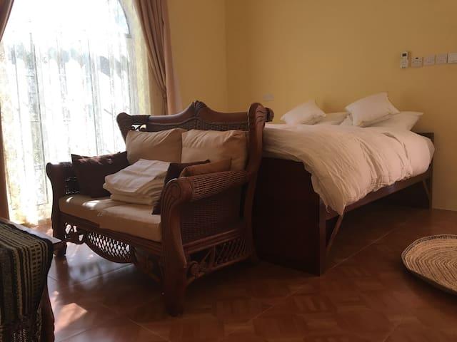 Chambre privee . Private bedroom - Alhail North - Hus