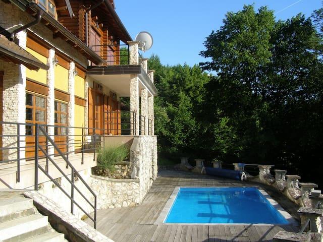 Rustic Luxury Villa - Zvečaj - Vila