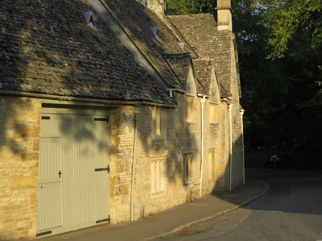 Buckle Barn Holiday Cottage - Upper Slaughter - Huis