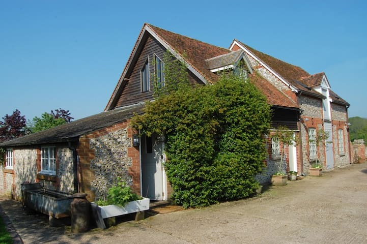 Wonderful, charming & comfortable converted barn. - Old Alresford - Casa