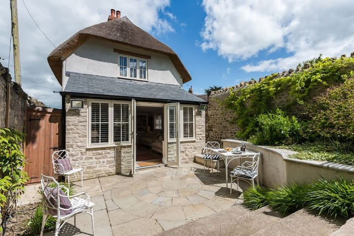 Church Cottage Sleeps 4  in the heart of typically rolling Dorset countryside - Cattistock - Maison