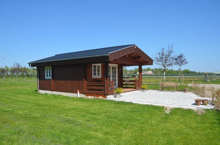 The Cottage (Price for 2 persons) - Guldborg - Stuga