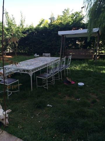 bahçeli, hastane,deniz,hayvansever - Zekeriyaköy Köyü - Villa