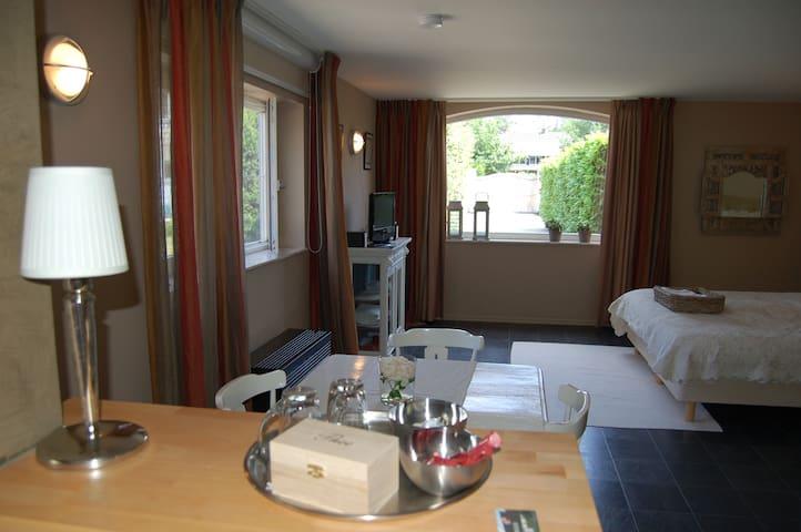 Turnhout (Antwerp) Private 57m2 Luxury Apartment - Turnhout - Huoneisto