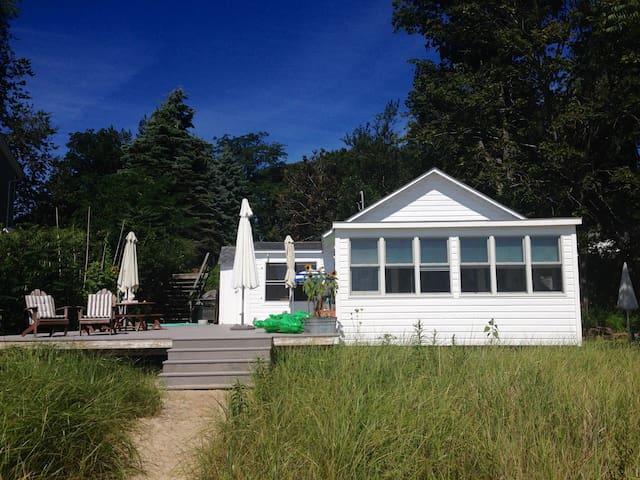 Pristine Cottage on White Sand Beach - Southold