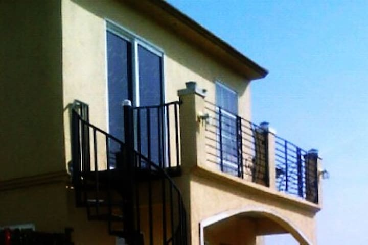 Abby's Place in the Country Club - Portmore - Suite degli ospiti