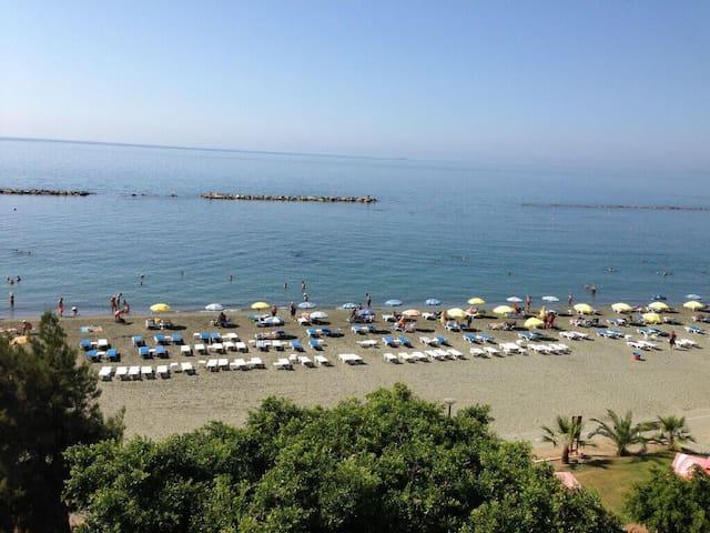 Golden Beach - Limassol - 公寓