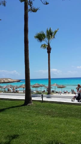 NICE APT  OPPOSITE NISSI BEACH - Ayia Napa - Appartement