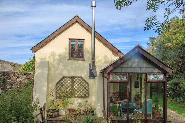 Rural cottage near coast in N Devon - Hartland