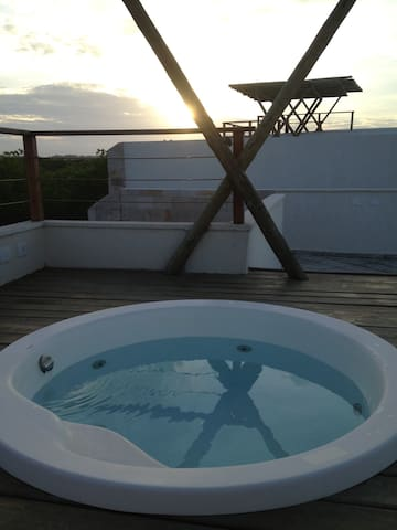 Beautiful 2 bed apartment with rooftop jacuzzi - Praia De Pipa