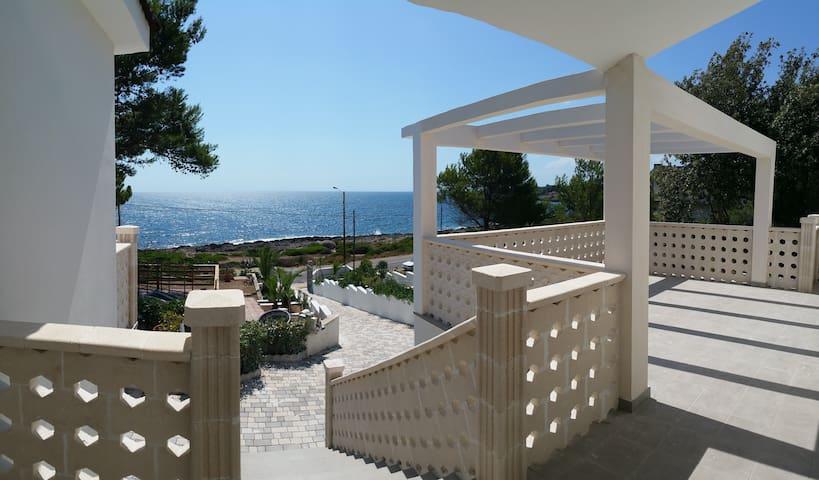 Villa Satyria 4 (Bellaria) - Pulsano - Bed & Breakfast