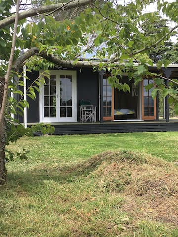 Relaxing cottage with rural views - Martinborough - Casa