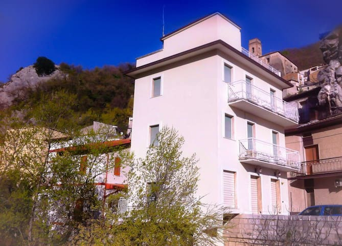 House On The River - Villa Santa Maria - Huis