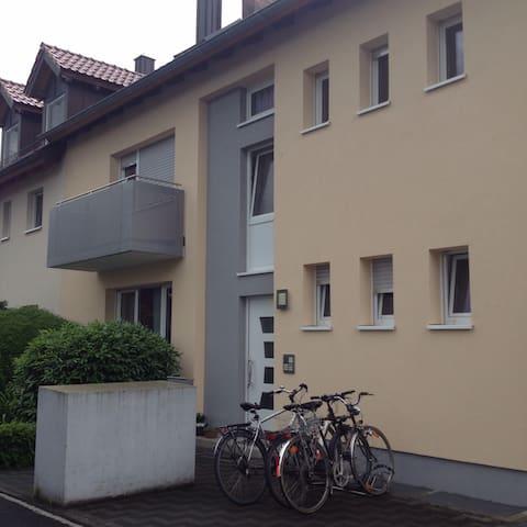 Gegenüber Leopoldina Krankenhaus/SW - Schweinfurt - Leilighet