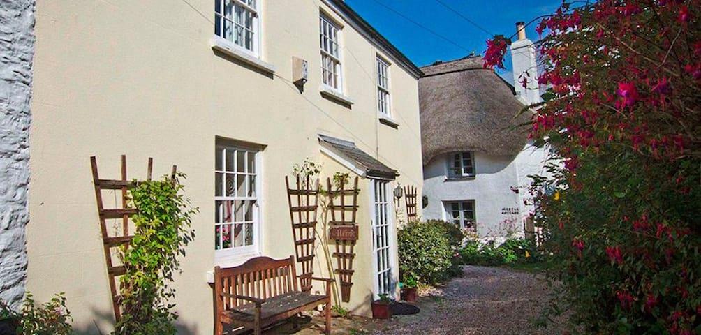 Ellenor Cottage. A Cosy Retreat Close to The Beach - Malborough - Hus