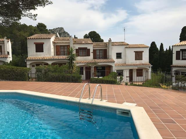 Casa en preciosa urbanización privada en Estartit - Torroella de Montgrí - House