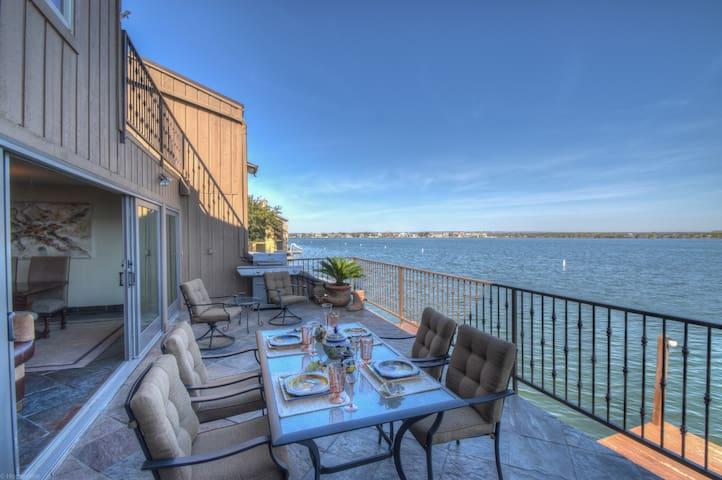 Gated Waterfront Paradise, 3 Level Remodeled Villa - Horseshoe Bay - Villa