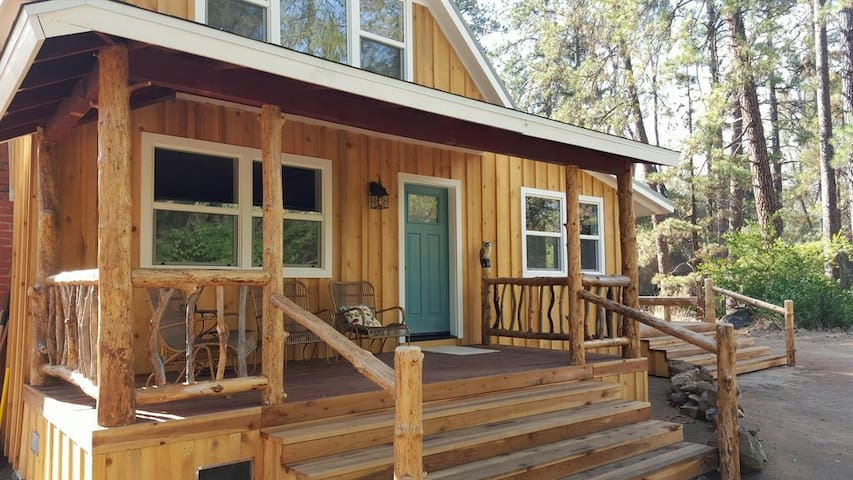 Newly Renovated Charming Cottage - Independence - Daire