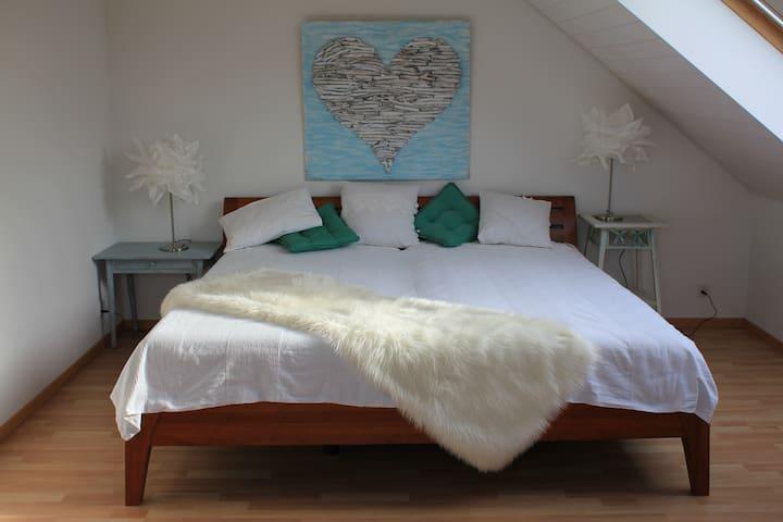 Top Maisonette Zimmer mit Chillgeschoss TV - Bremgarten - Huis