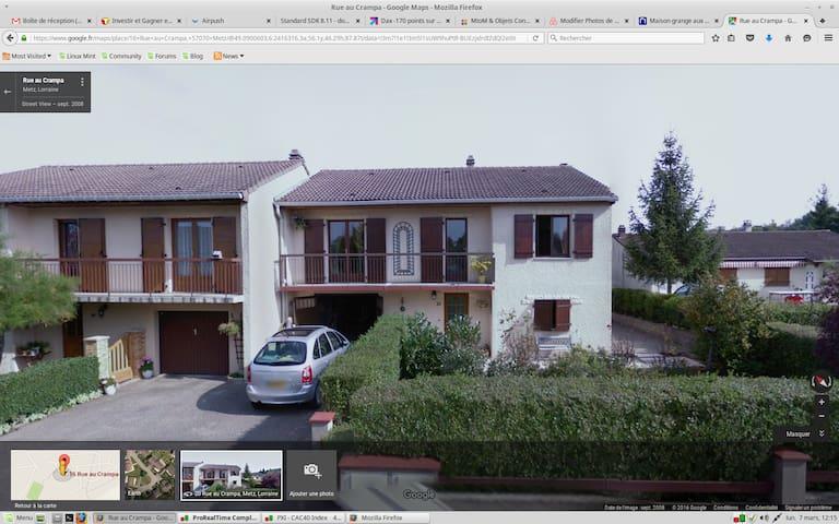 Chambre d'amis dans une maison - Metz - Hus
