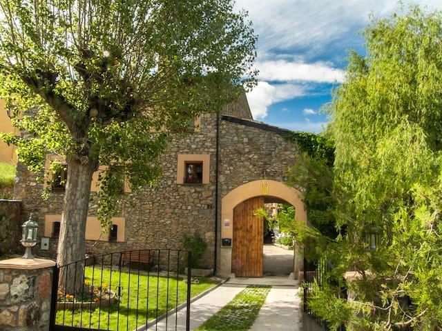 Casa para grupos en el Pirineo - BELLVER DE CERDANYA - House