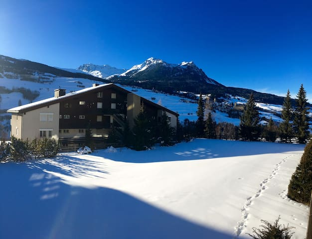 Cozy apartment surrounded by the Swiss Alps - Cunter - Leilighet