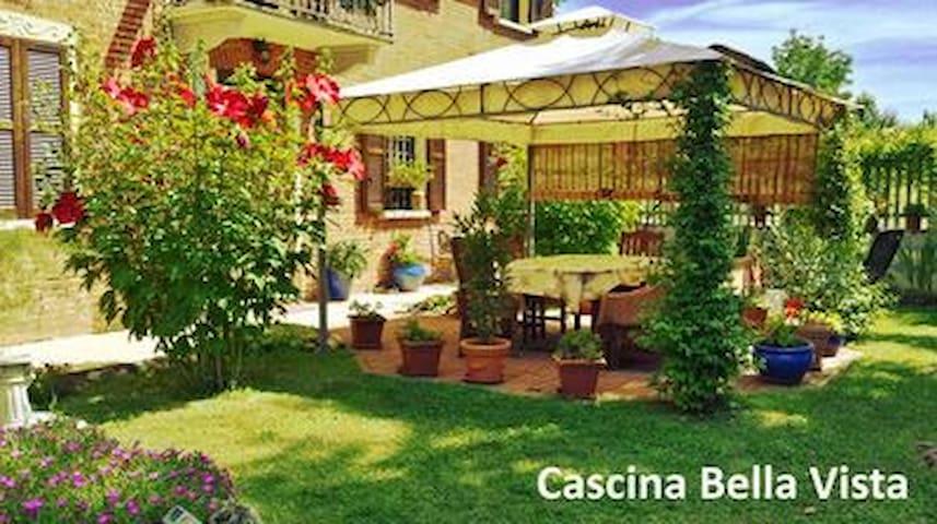 Cascina Bella Vista - Asti B&B - Barrano - Pousada