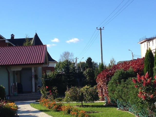 Уютный коттедж в Парголово - Pargolovo - Hus
