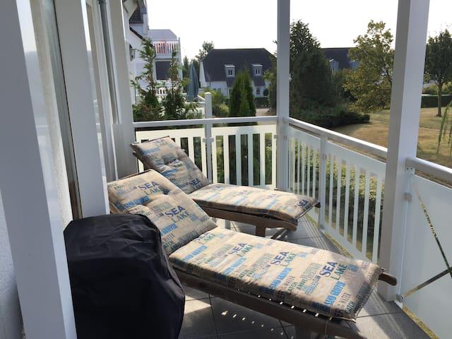 Ferienwohnung mit grosser Terrasse in Strandnähe - Nienhagen - Departamento