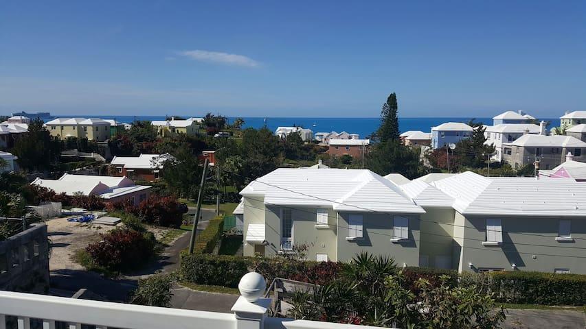 Amaging ocean views of North Shore - Pembroke Parish, BM - Apartment