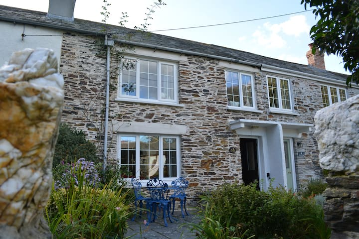 Cottage Boscastle, parking, small dog friendly - Boscastle - Huis