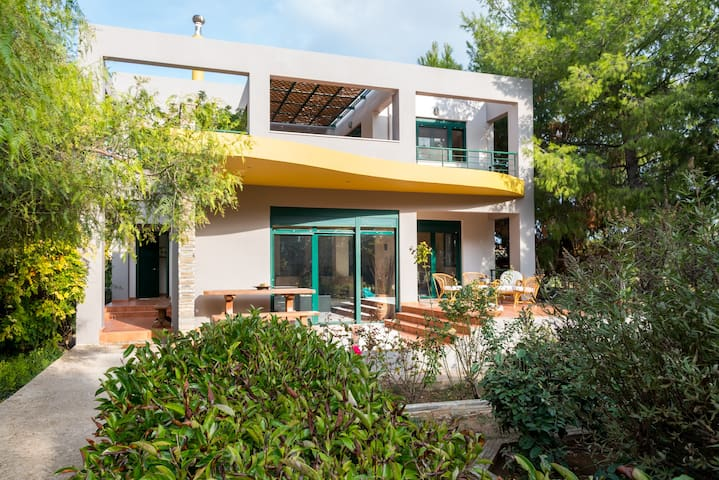 Summer House, A Refreshing Escape - Schinias