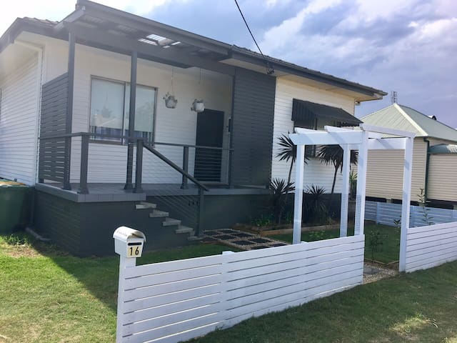 Fivecow In Town - Cessnock - Huis